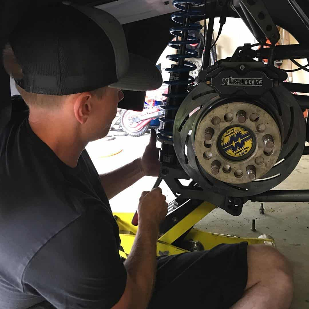 Shane Sweigart installing a new set of JRI ST08'S.